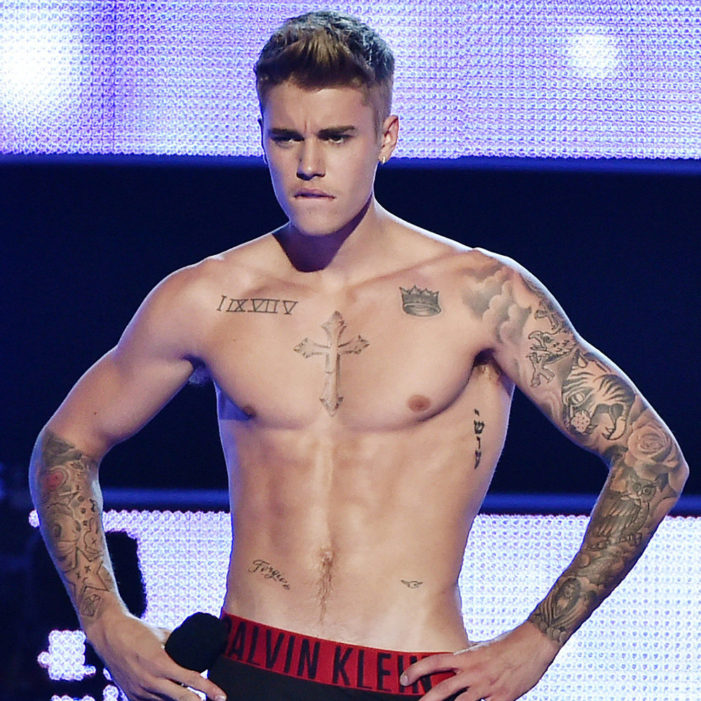 Beliebe it! Beiber lip-synced?