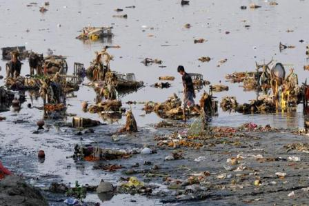 NGT horrified at Yamuna's Ganesh pollution, helpless?